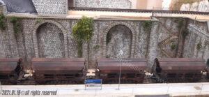 Finitura e stagionatura del muro di contenimento e portale